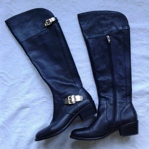 Vince Camuto Boots Bocca Leather Zip Up New in Box